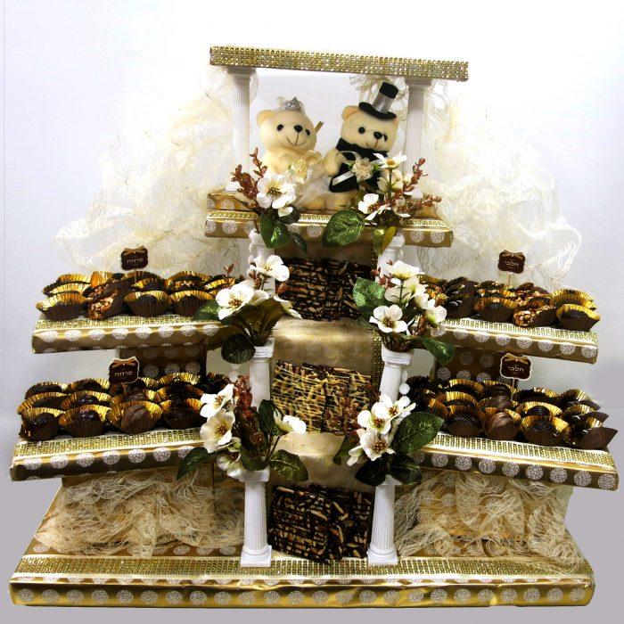 Chuppah with teddy and chocolates